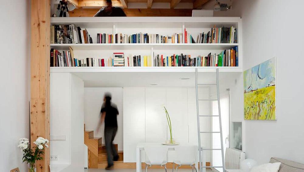 Decoracion atresmedia soluciones para aprovechar huecos for Soluciones bajo escalera