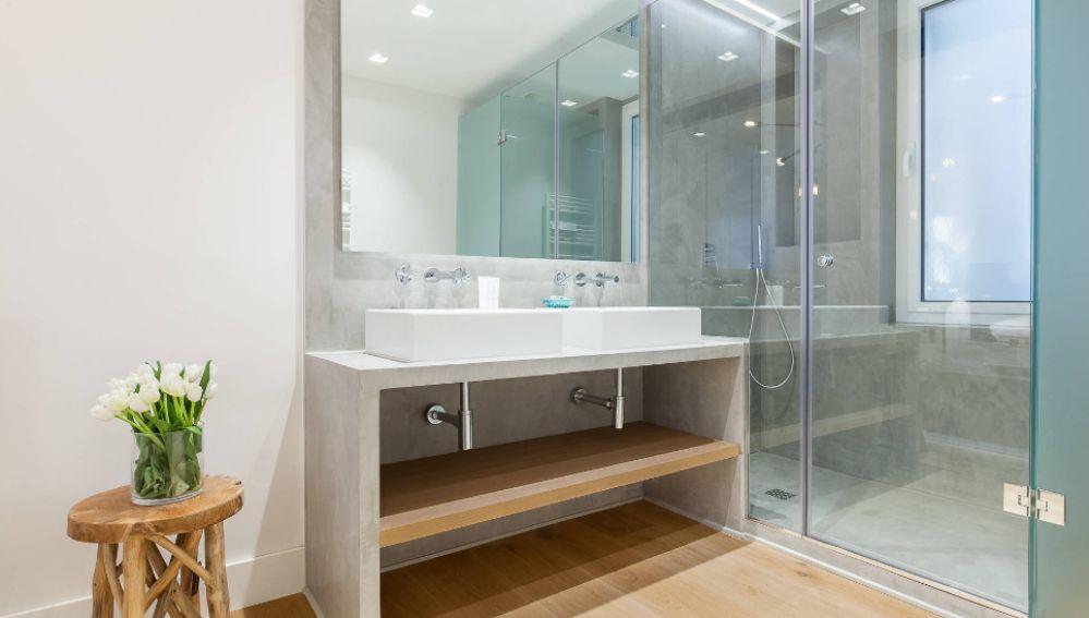 Decoracion atresmedia consejos para limpiar las juntas - Como limpiar la mampara de la ducha ...